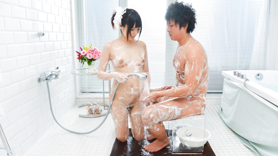 Nude Mihono soapy amateur home porn on cam