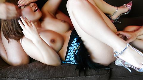 Konatsu Aozona - konatsu aozona ได้รับ creampie เพศเอเชียกับผู้ชายสองคน -  5 รูปภาพ