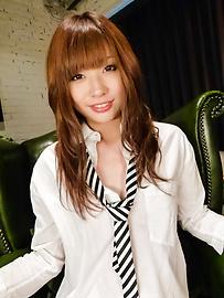 Mami Yuuki - น่ารักน่าฟัดเอเชีย blowjob ให้มามิยูกิ -  2 รูปภาพ