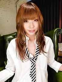 Mami Yuuki - น่ารักน่าฟัดเอเชีย blowjob ให้มามิยูกิ -  3 รูปภาพ