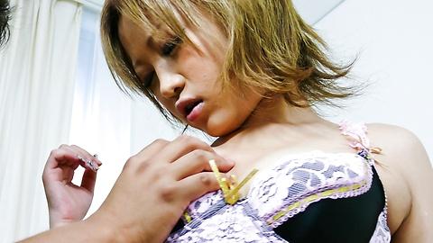 Ai Shirosakia - 小小的熱Ai Shirosakian Ai責駡她丘 - 圖片3