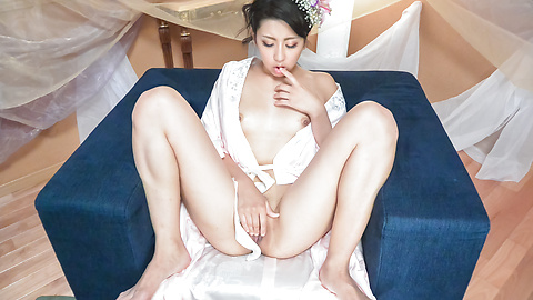 Yuna Shiratori - Japanese masturbation show by Yuna Shiratori  - Picture 9