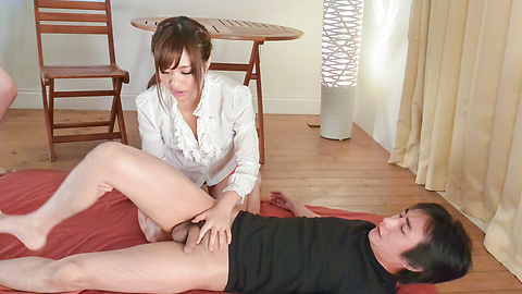 Haruna Kawase - Hot milf gives amazing Japanese blowjob  -  5 รูปภาพ