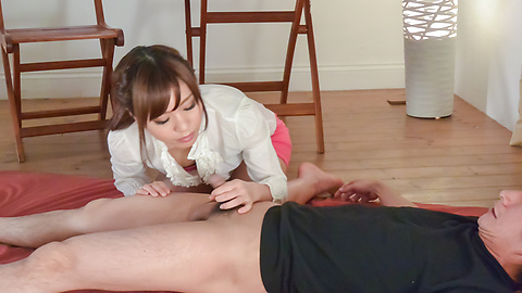 Haruna Kawase - Hot milf gives amazing Japanese blowjob  -  6 รูปภาพ