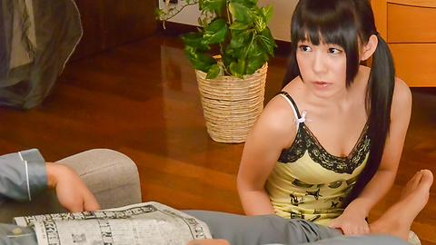 小西まりえ - ちっちゃなデリヘル嬢のご奉仕フェラ - Picture 3
