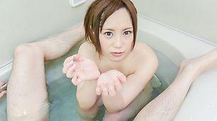 Dazzling POV Japanese blowjob in the tub