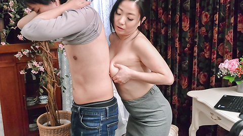 Shino Izumi - Busty doll amazes with her Asian blowjob  - Picture 11