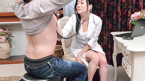 Shino Izumi - Busty doll amazes with her Asian blowjob  - Picture 2