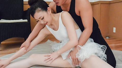Miu Kimura - Ballerina girl ends amazing porn show with creampie Asian  - Picture 12