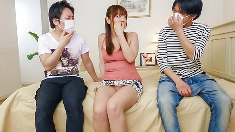 美咲ひな - 爆乳美咲ひな~グループフェラ&パイずり - Picture 5