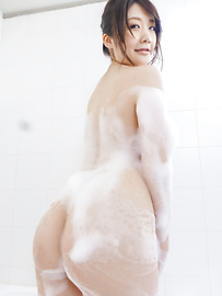 Rie Tachikawa - Rie Tachikawa takes a bath in amateur asian sex videos - Picture 5