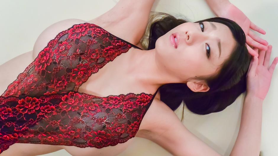 Ana Ivy麻里梨夏ショートカットの級美少女でフェラ動画すんごい美少女が咥える度にアンアン喘いでますThug Pussyイワミザワシ