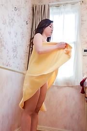 Kanna Nozomi - Superb Asian girl blowjob by naked Kanna Nozomi - Picture 1
