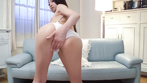 Ryo Makoto - Ryo Makoto plays with the pussy in amateur Asian solo  - Picture 3
