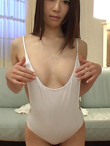 Ryo Makoto - Ryo Makoto plays with the pussy in amateur Asian solo  - Screenshot 6