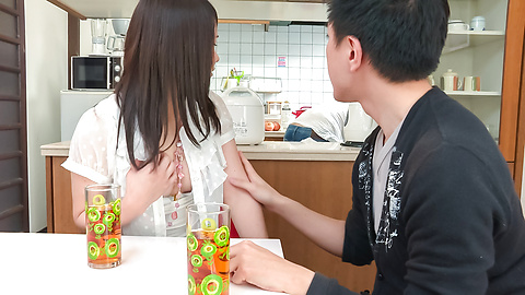 秋野早苗 - 兄貴に隠れてフェラ ~ 秋野早苗 - Picture 12