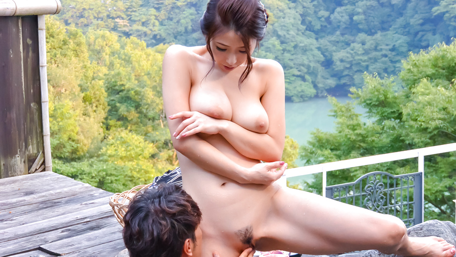 Sexy outdoor Asian porn with busty Ayumi Shinoda
