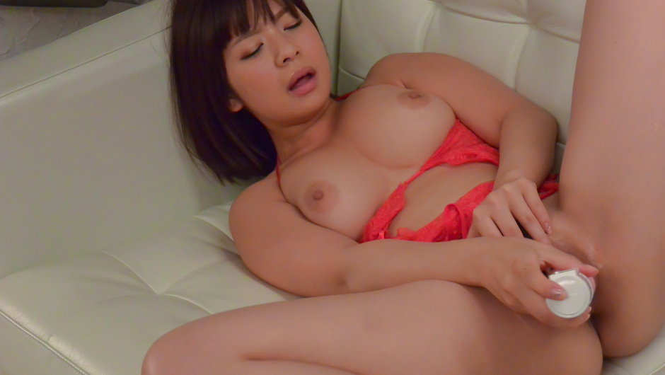 Wakaba Onoue plays naughty in solo with her big tits