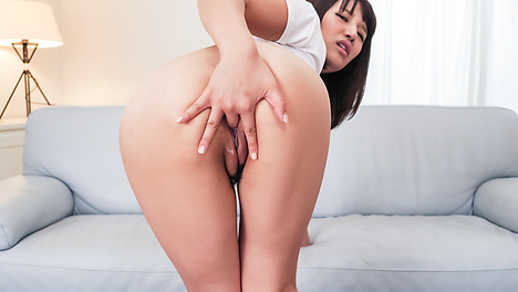 Nude amateur Asian doll complete pussy masturbation