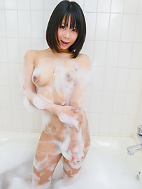 Mikan Kururugi - Asian amateur plays with her pussy in the shower  - Picture 2