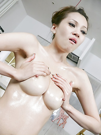 Ameri Ichinose - Oily Ameri Ichinose gets tons of cum from an asian blow job - Picture 3
