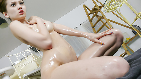 Ameri Ichinose - Oily Ameri Ichinose gets tons of cum from an asian blow job - Picture 7