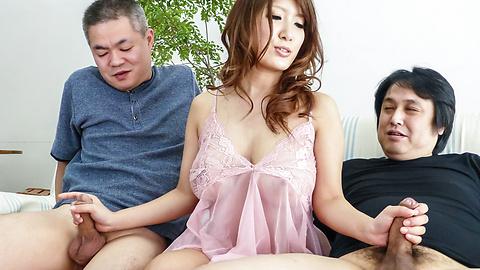 Yume Mizuki - ยูเมะ ทำไมมิซึกิจับ Cocks ขนาดใหญ่เชี่ยวชาญกลางแจ้ง -  5 รูปภาพ
