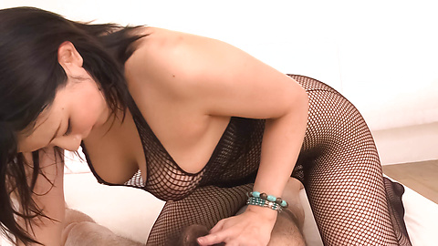 Megumi Haruka - Gorgeous MILF Megumi Haruka asian woman blowjob to two - Picture 1