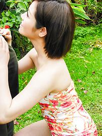 Minami Asano - Outdoor Asian blow job withMinami Asano - Picture 9