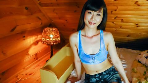 Ayaka - Japanese blow job with amateur babeAyaka - Picture 4