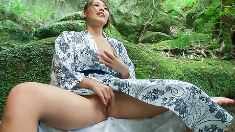 Aoi Mizuno - Outdoor Asian blowjobs by steamy Aoi Mizuno - Picture 11