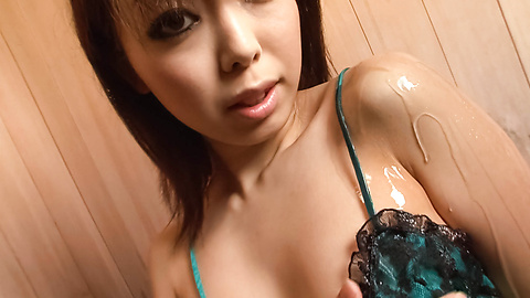 Yuki Asami - Yuki Asami is fucked with fingers in cunt - Picture 1