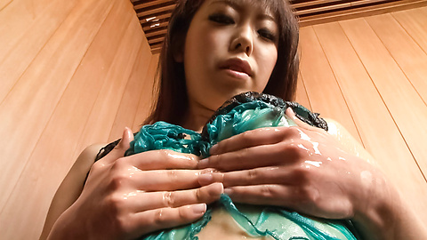 Yuki Asami - Yuki Asami is fucked with fingers in cunt - Picture 3