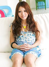 Saki Kozakura - 她惊讶于她的亚洲吹箫技巧 - 图片 1