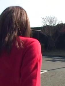 Kuraki Mio - Kuraki Mio enjoys Japan cum in outdoor oral - Screenshot 1