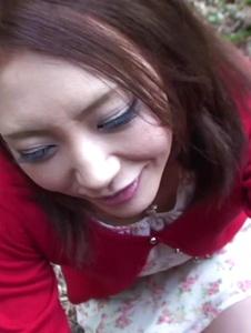 Kuraki Mio - Kuraki Mio enjoys Japan cum in outdoor oral - Screenshot 3