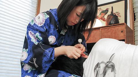 Yui Kyouno - 卷毛小唯 Kyouno 享受全部的亚洲口交 - 图片 2