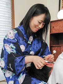 Yui Kyouno - 卷毛小唯 Kyouno 享受全部的亚洲口交 - 图片 3