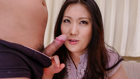 Naomi Sugawara - Naomi Sugawara giving alluring asian blowjob - Picture 4