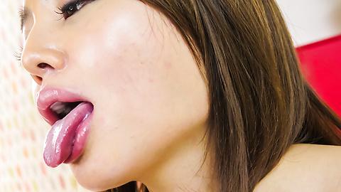 Mao Miyabi - Asian blow job during threesome with hotMao Miyabi - Picture 11