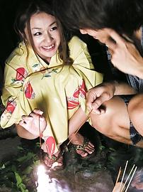 Sakura Hirota - เร่งรัดการกระทำเลียและเย็ดกับหวานวัยรุ่น Sakura โรตะ -  3 รูปภาพ