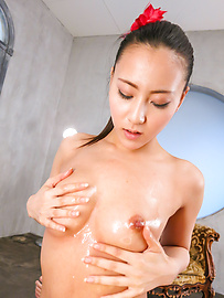 Ren Azumi - Horny  Ren Azumi giving warm Japanese blowjobs on cam - Picture 6