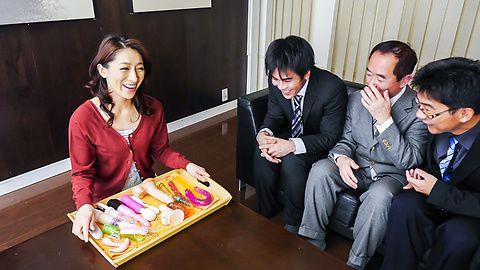 日本的色情Marina Matsumoto吹簫