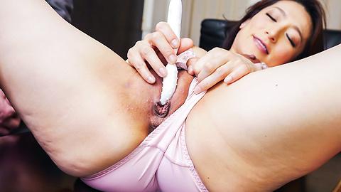 Marina Matsumoto - ญี่ปุ่น blowjob ร้อนไหมโดย Marina มัตสึโมโตะ -  7 รูปภาพ