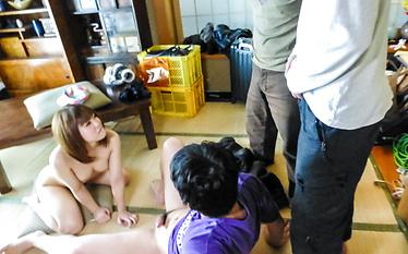 Yuri Hyugaprovides Asian blowjob in threesome