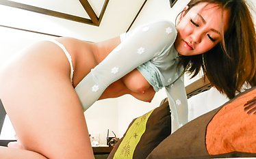 Asian girl blowjobHikari in steamy action on cam
