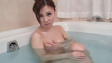 Maki Horiguchi - Maki Horiguchi uses Asian vibrator in solo scenes  - Picture 5