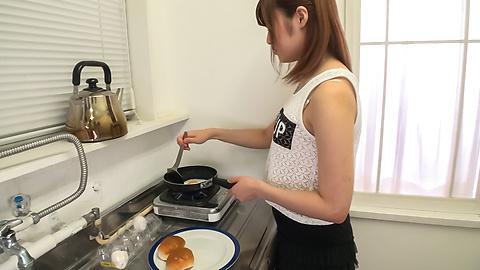 Yumi Maeda - Yumi มาเอดะเอเชียสมัครเล่นวิดีโอโป๊ใน POV -  10 รูปภาพ