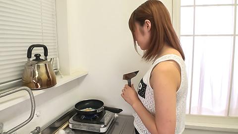 Yumi Maeda - Yumi มาเอดะเอเชียสมัครเล่นวิดีโอโป๊ใน POV -  3 รูปภาพ