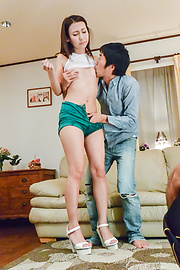 Maya Kato - Sexy Maya Kato amazes with Asian blow job - Picture 3